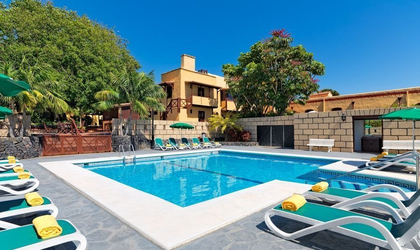 Swimming pool Hotel Rural XQ Finca Salamanca en Tenerife